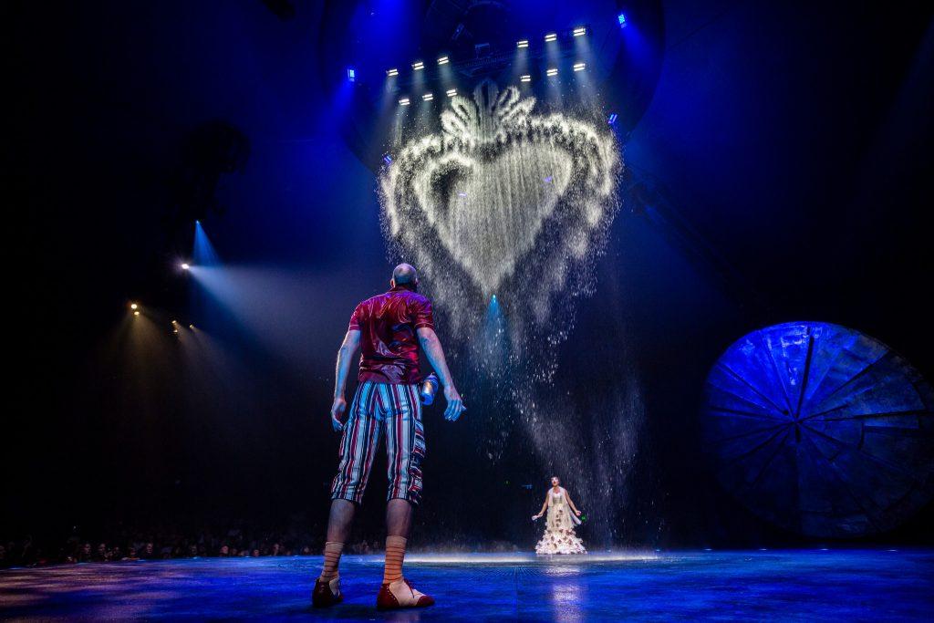 LUZIA clown in the rain