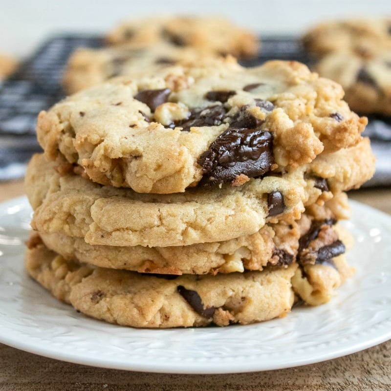 Dark Chocolate and Walnut cookies