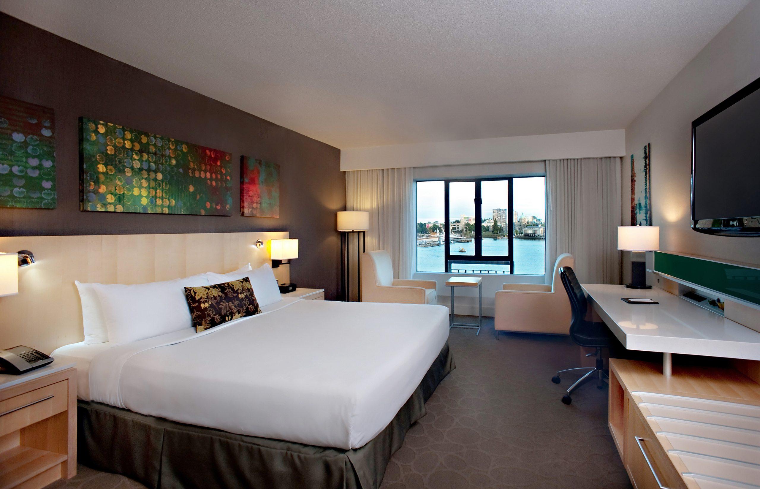 Delta Ocean Pointe Resort King room