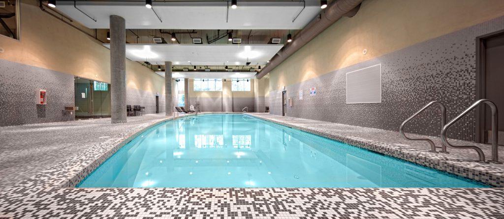 Parkside_Victoria_Hotel_pool